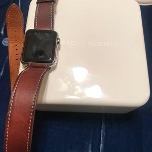 Hermes Accessories - Hermès Apple double tour series 1 watch